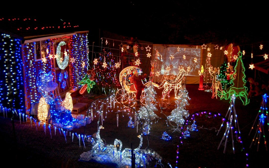 There's nothing like the holiday tradition of touring Christmas lights